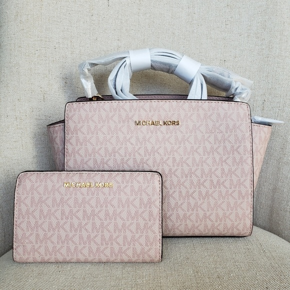 31ddefd75f4d MICHAEL Michael Kors Bags | Nwt Michael Kors Bag And Wallet Bundle ...